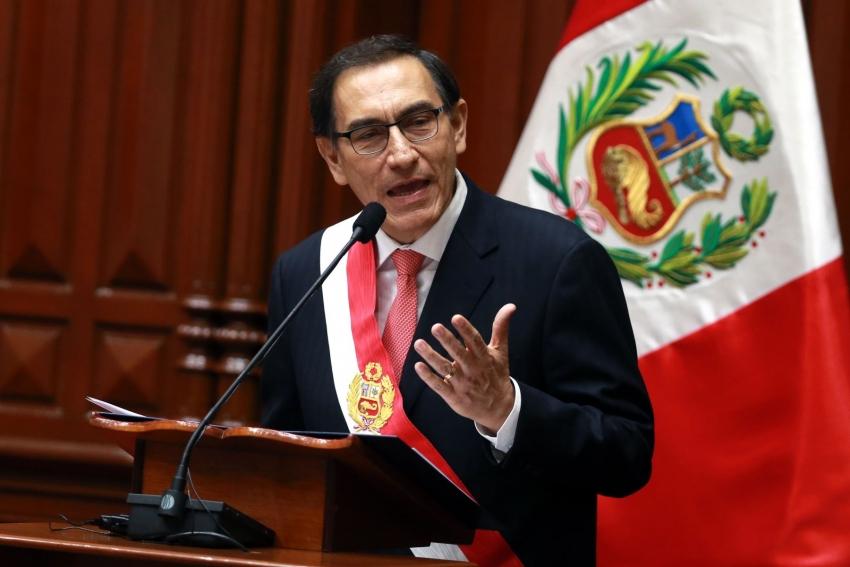 Presidente  Vizcarra convoca a elecciones generales para el 11 de abril del 2021